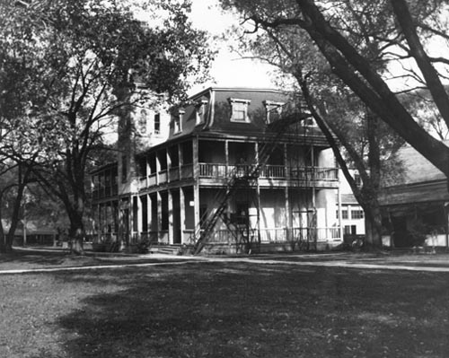View of Ward's Hotel on Ward's Island, Toronto Island